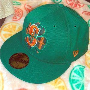 """New Era Seattle """"Lucky Clover"""" hat 7 1/8."""